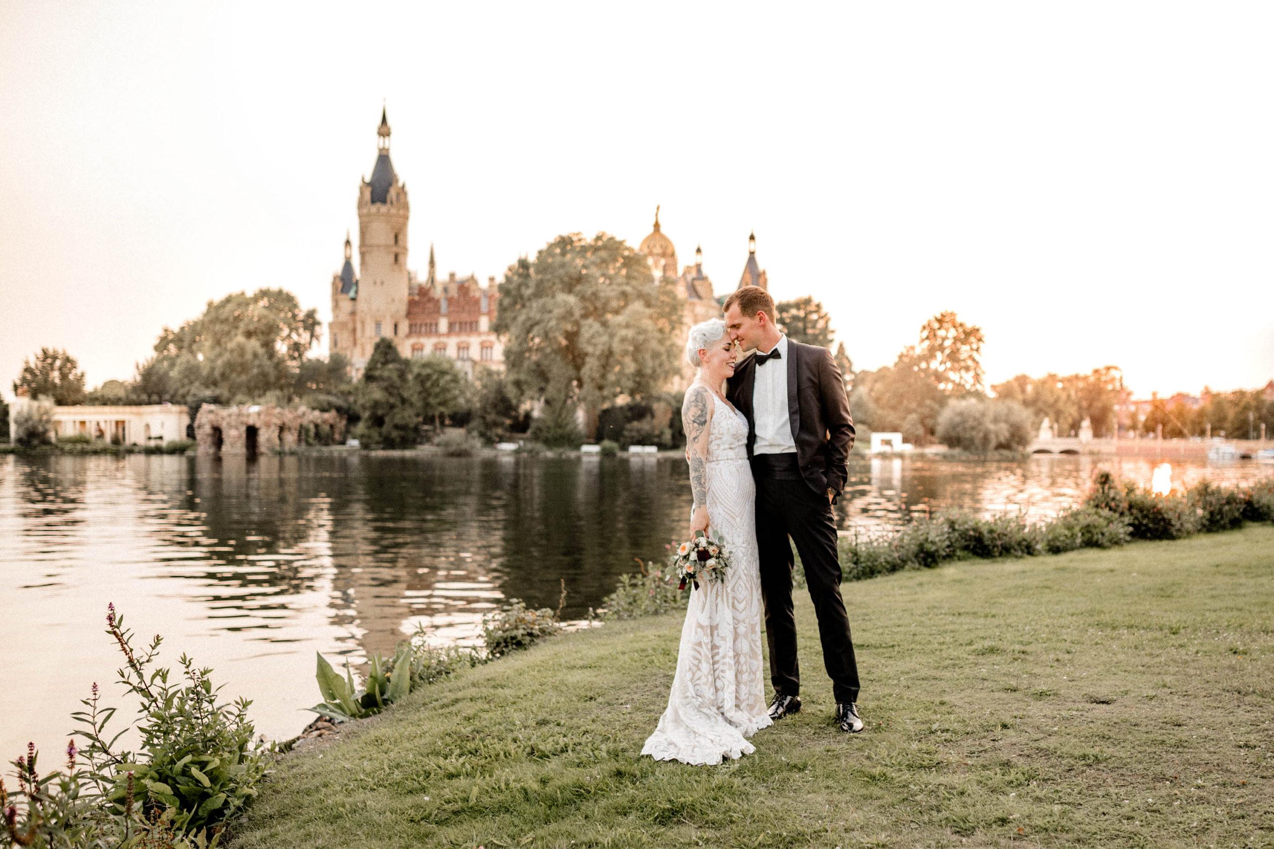 Virginia-Pech-Fotografie-Hochzeitsfotograf-Hochzeitsfotografie-Hochzeitsfotos-Schwerin-Schloss-Seglerheim-Schelfkirche-109-