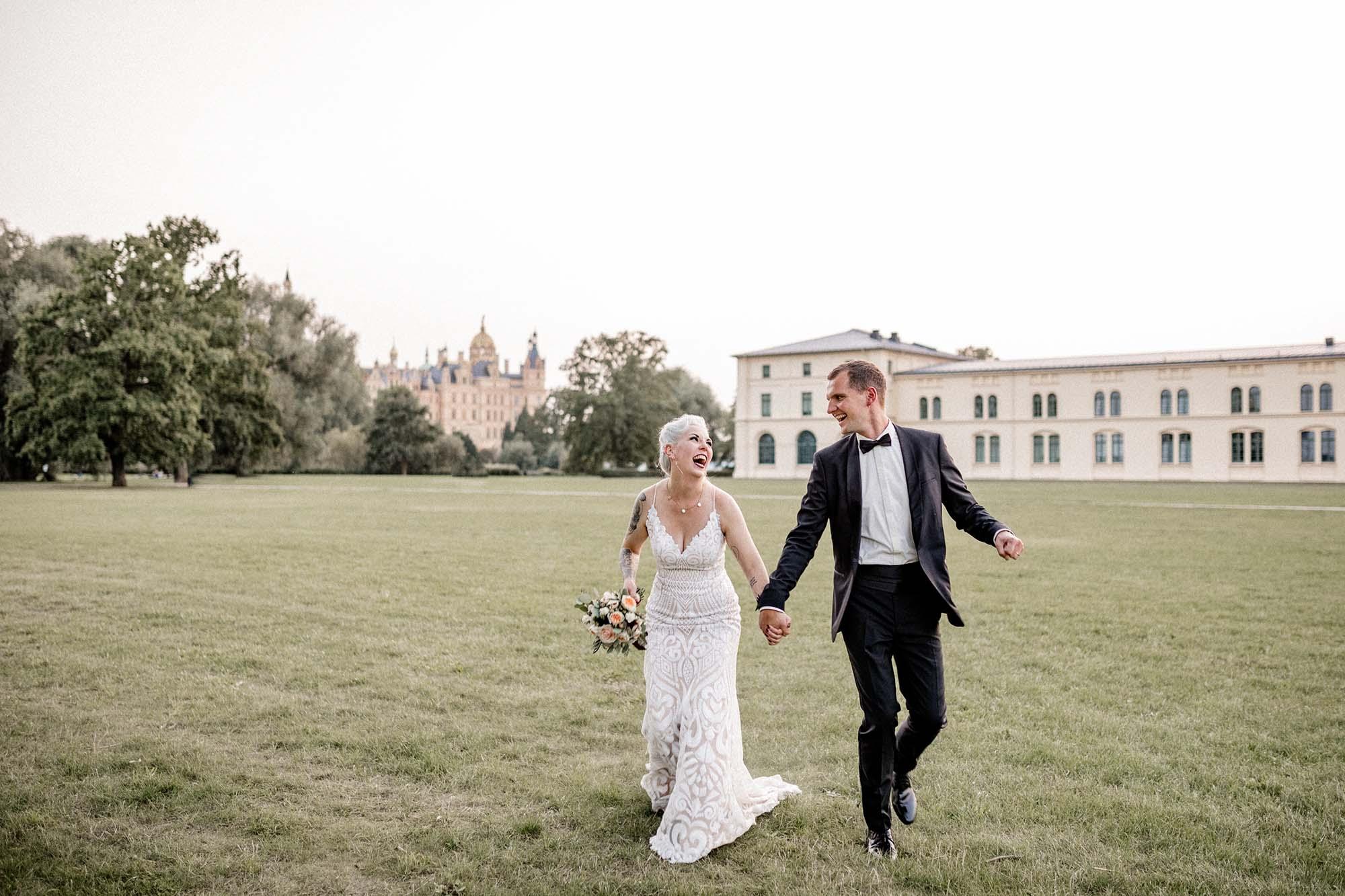 Virginia Pech Fotografie Hochzeitsfotograf Hochzeitsfotografie Hochzeitsfotos Schwerin Schloss Seglerheim Schelfkirche 212