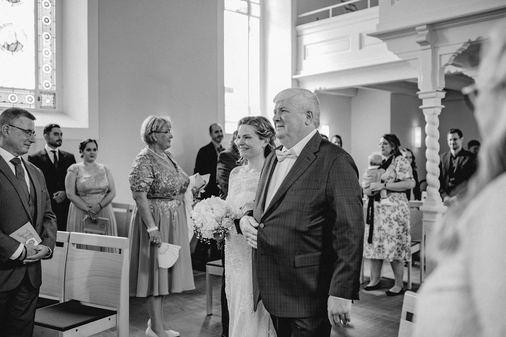 Virginia-Pech-Fotografie-Hochzeitsfotograf-Hochzeitsfotografie-Kulturscheune-Rangsdorf-Berlin-Anika-Nico-29