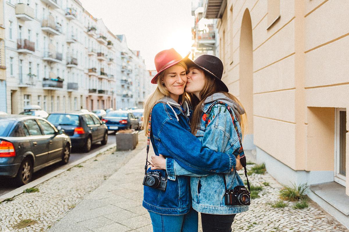 Virginia Pech Fotografie Paarshooting Engagementshooting Verlobungsshooting Prenzlauer Berg Berlin Liv & Andrea 12