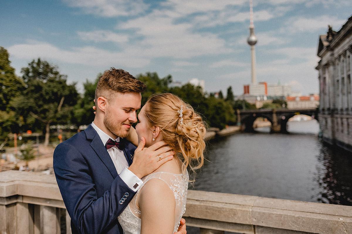 Virginia Pech Hochzeitsfotografie Berlin Festsaal der Berliner Stadtmission Vintagehochzeit Maria & Max 35