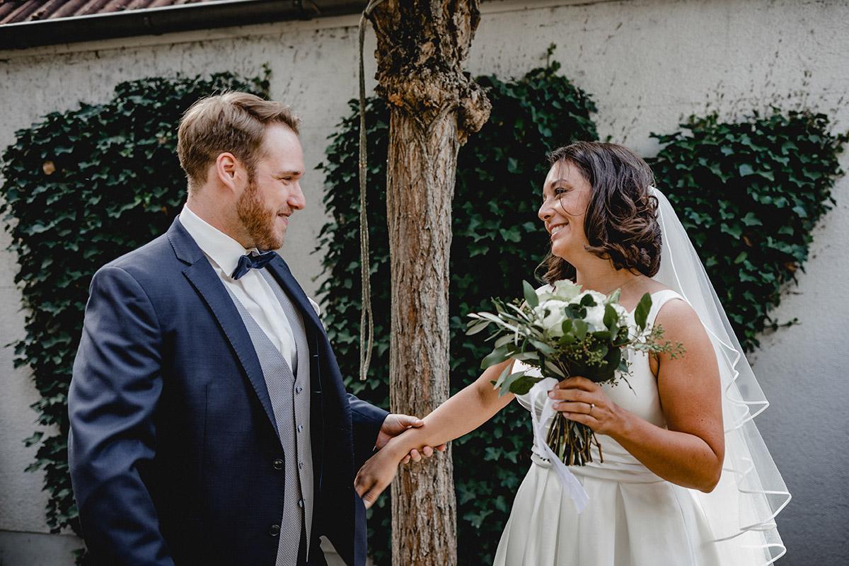 Virginia Pech Hochzeitsfotografie Weinberge Weingut Junghof Undenheim M & C 21
