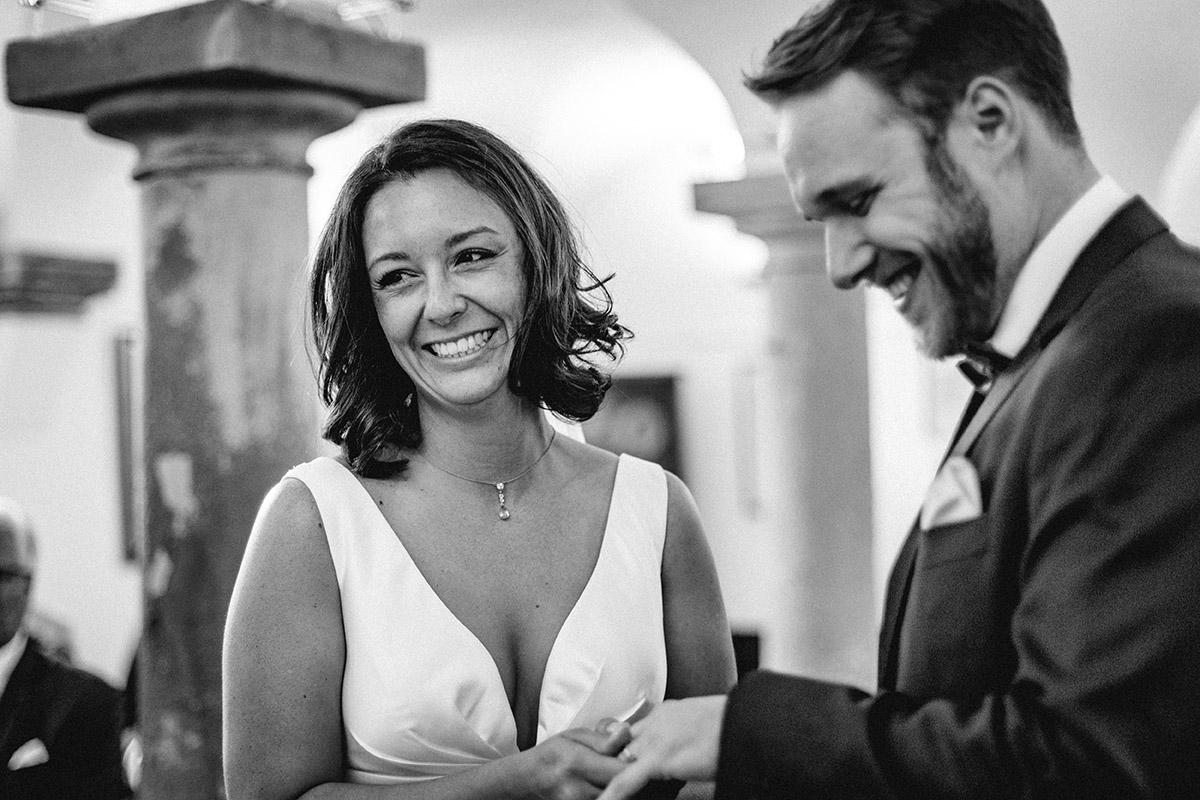 Virginia Pech Hochzeitsfotografie Weinberge Weingut Junghof Undenheim M & C 32