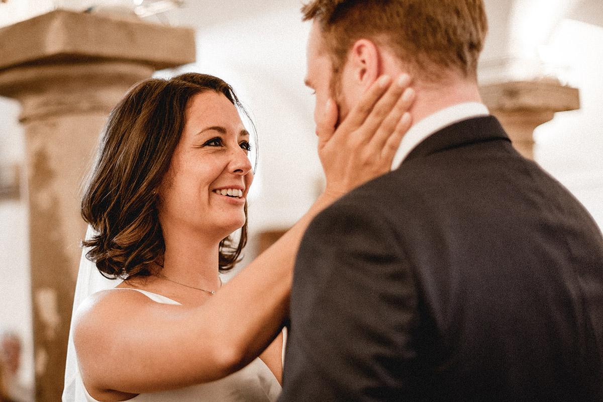 Virginia Pech Hochzeitsfotografie Weinberge Weingut Junghof Undenheim M & C 33